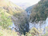 http://holtzarte_footbridge